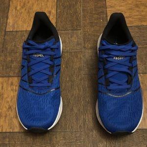 New Balance Fuelcell Propel Nike Tech Fleece Retro